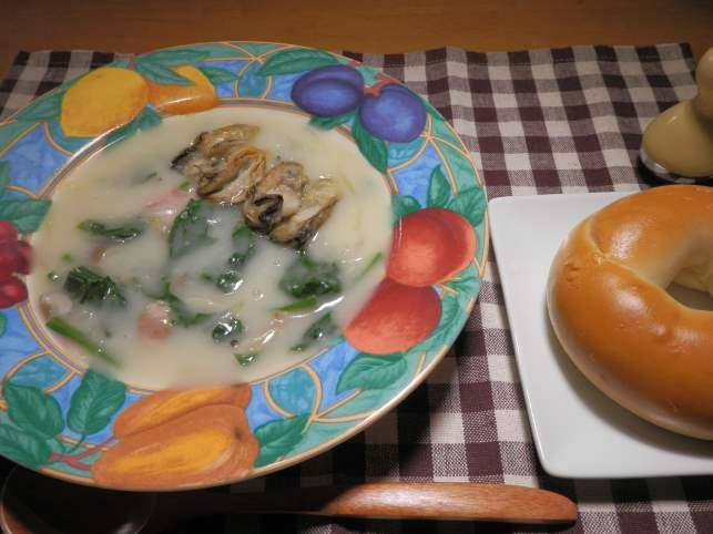 ほうれん草と牡蠣のクリームシチュー